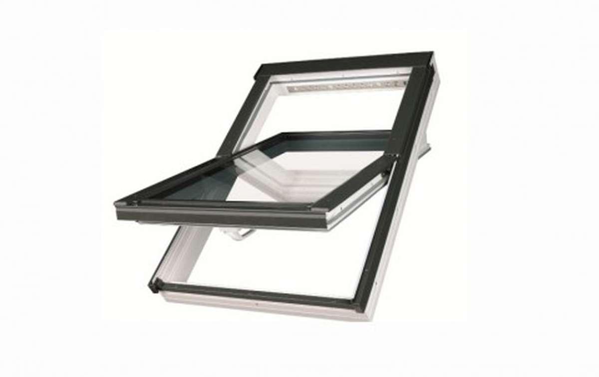 Мансардное окно FAKRO PTP-V U3 из ПВХ 55x78 с вентклапаном